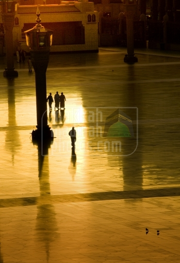 Sunrise in Holy Mosque, Piazza
