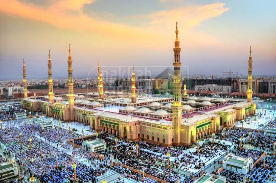 A beautiful evening shot of the Masjid Nabawi