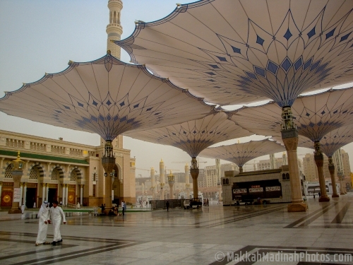Electronic Umbrellas from Masjid Nabawi