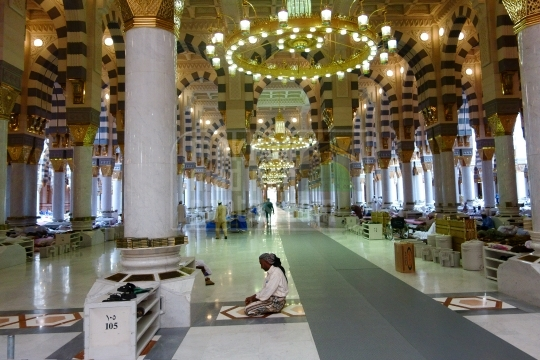 Inside Holy Holy Mosque_2