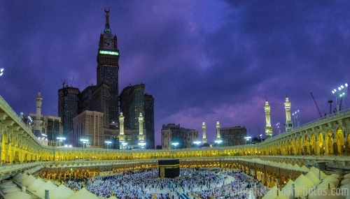 Makkah at night a Panoramic view
